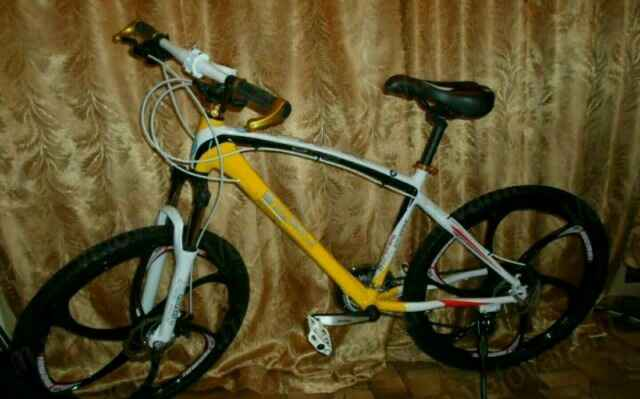 Велосипед на литых дисках BMW Х5 - Фото #1