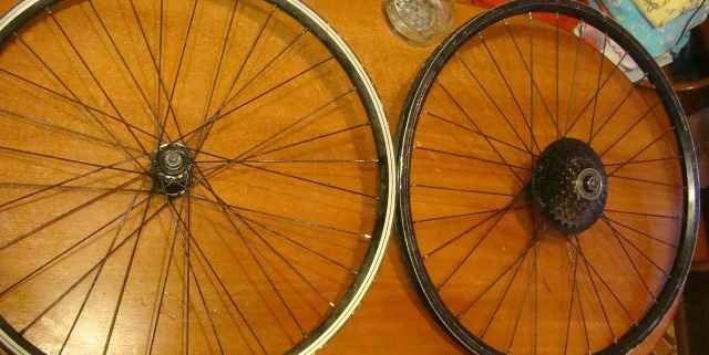 Покрышки и колеса от велосипеда - Фото #1
