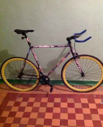 Велосипед фикс/сингл-спид
