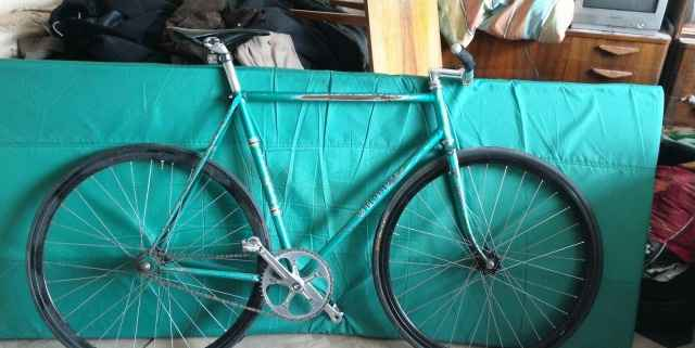 Фикс на раме спорт гит (трековый велосипед)