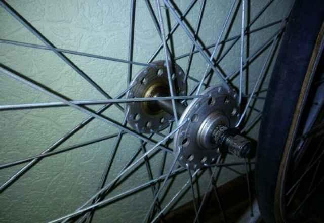 велосипедные колеса трек и шоссе