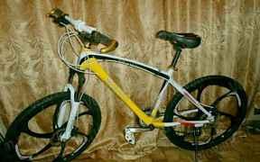 Велосипед на литых дисках BMW Х5