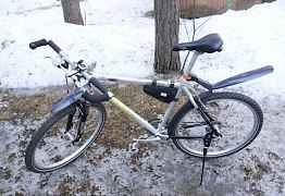 Велосипед Giant отличные состояние и комплектация