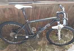 Карбоновый горный велосипед