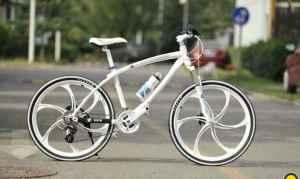 Велосипед BMW белый