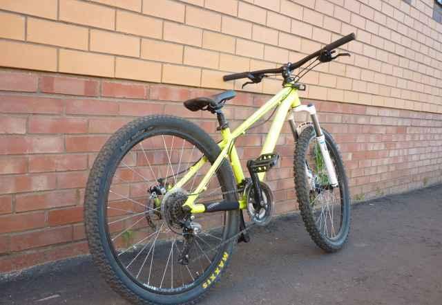 Велосипед MTB/Dirt Kellys whip (26 колёса)