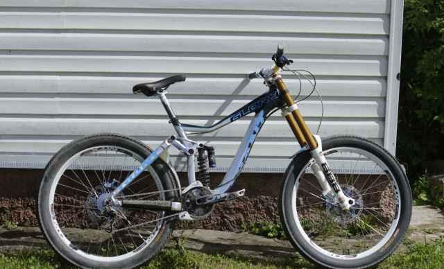 Велосипед на Раме Giant Glory 2014 Размер М