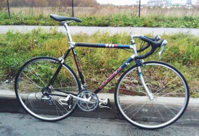Шоссейный велосипед Cadex Giant