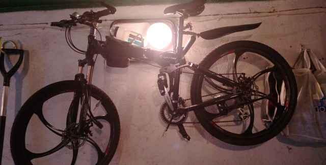 Велосипед на литых дисках БМВ Х6 блэк,блак