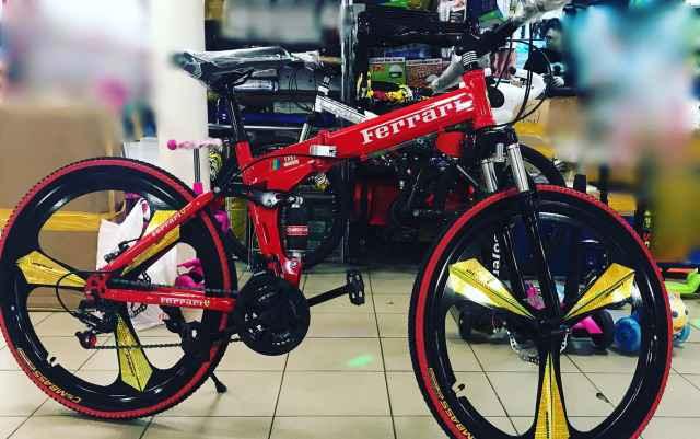 Велосипед на литых дисках Феррари,Ферари