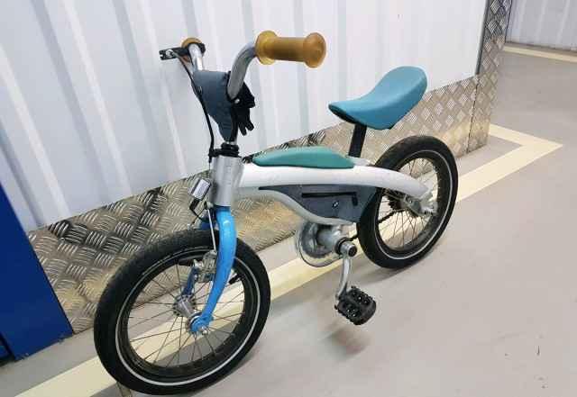 Велосипед БМВ Kidsbike (нужен небольшой ремонт)
