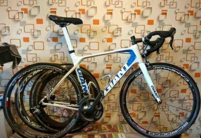 Шоссейный велосипед Giant Advanced tcr 2012