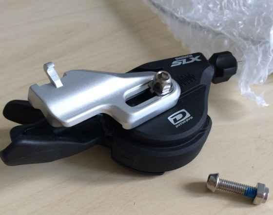 Новая манетка Shimano СЛХ M670 (I-Спец A) правая