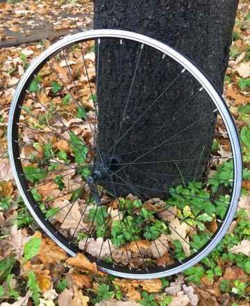 Колесо велосипедное 26, переднее