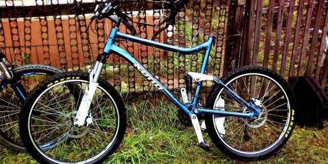 Kona Tanuki двухподвесный горный велосипед