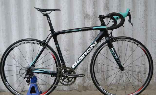 Шоссейный спортивный велосипед Bianchi