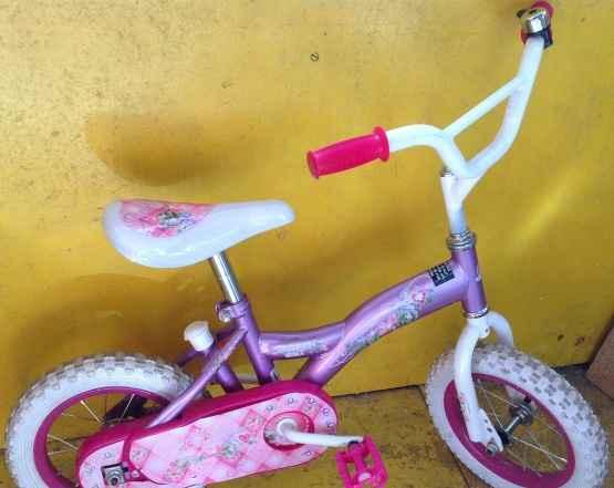 """Велосипед для девочки с ручкой 12"""" 2-6л"""