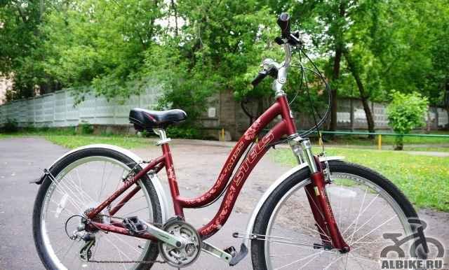Женский велосипед Стелс Miss 7700