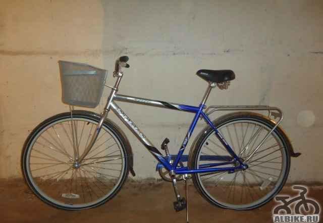 Почти новый дорожный велосипед
