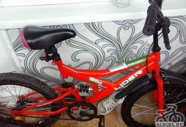 Продам красный велосипед лидер Б/У