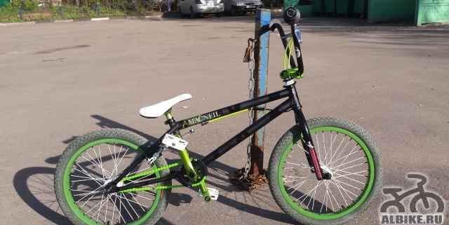 Новый BMX собран на раме MacNeil + остальное Primo