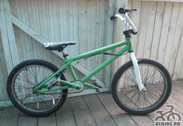 Продам велосипед BMX или обмен с моей доплатой