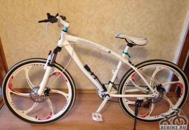 БМВ X1 Белый Велосипед на литых дисках 24 скорости