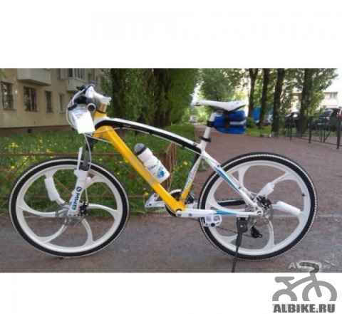 Велосипед на литых дисках, БМВ X1, 24 скорости