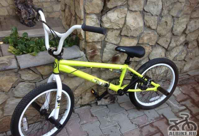 Трюковый подростковый велосипед