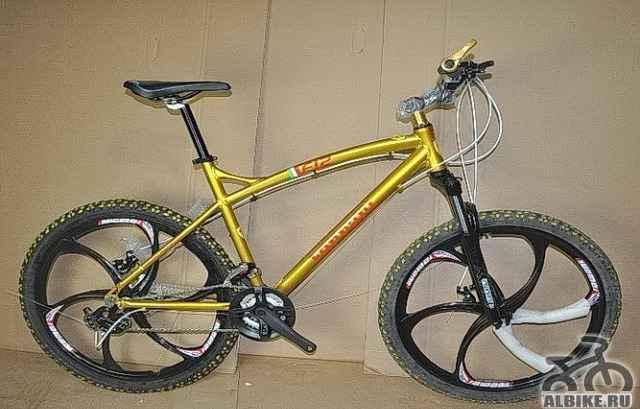 Велосипед на литых дисках Феррари (желтый)