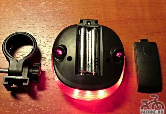 Новый красный фонарь с лазерными линиями-маркерами
