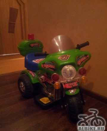 Продаю детский трехколесный мотоцикл
