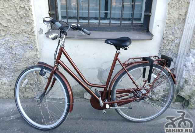 Красивый ретро велосипед
