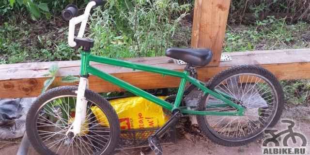 Велосипеб bмх