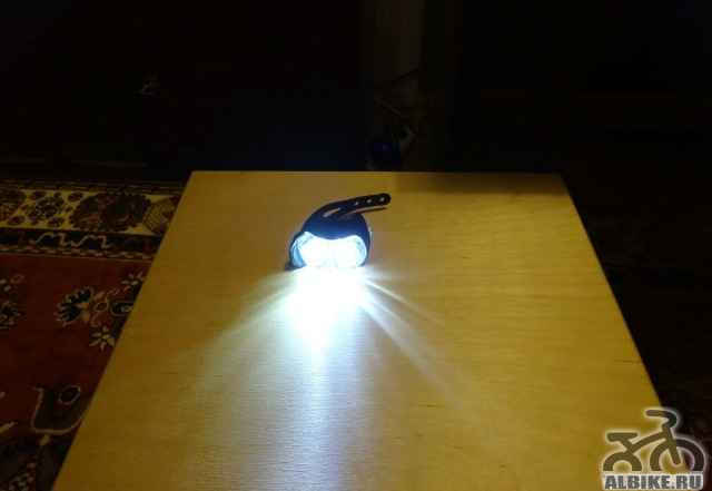 Передний фонарь Q-Лит со встроенным аккумулятором
