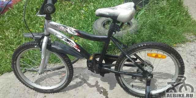 Детский б/у велосипед, для мальчика 5-7лет