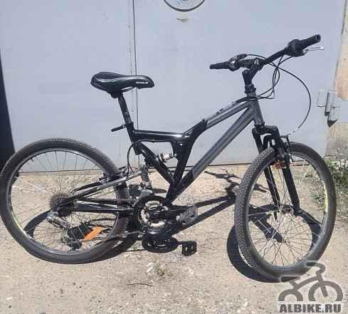 Велосипед фирмы Стелс)