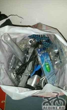 Всякие акксесуары и запчасти из Германии и 2 сумки - Фото #1