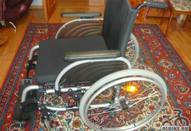 Инвалидное кресло-коляска - Фото #1