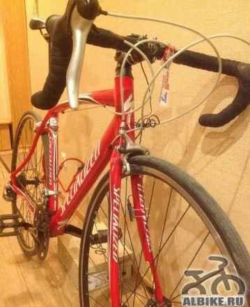 Яркий, быстрый, красивый шоссейный велосипед - Фото #1