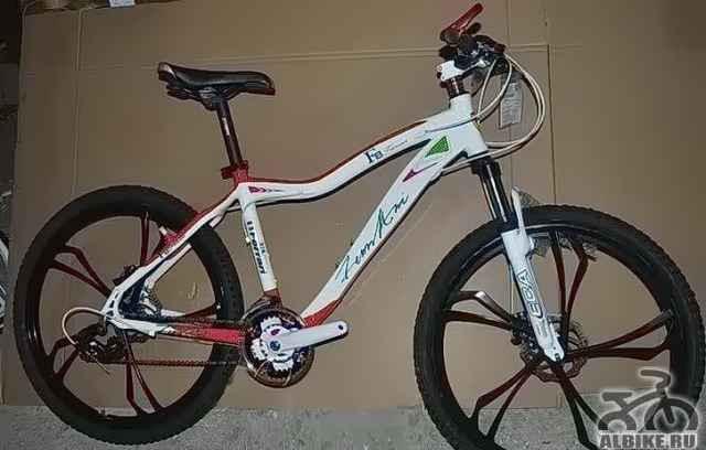 Горный велосипед ферари FT-5 на литых дисках