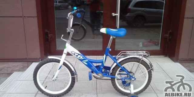 Детский велосипед, четыре колеса, почти новый