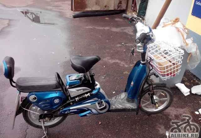 Электроскутер - велосипед двухместный