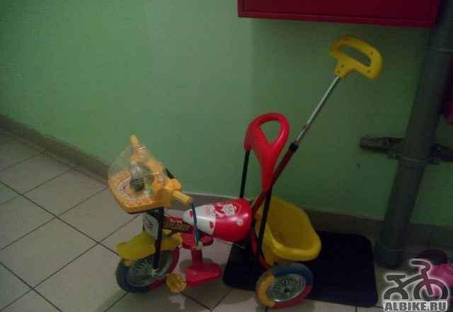 Трехколесный детский велосипед с музыкой
