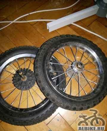 Колесо для трех колесных коляски