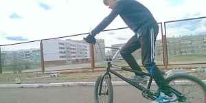 Продам BMX в отличном состоянии торг возможен