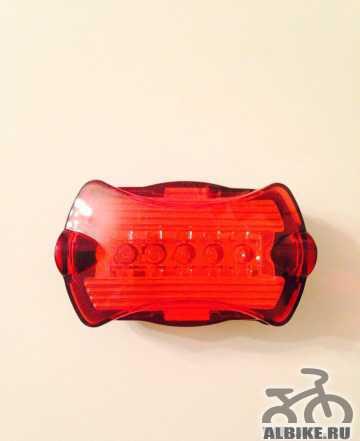 Велосипедный фонарик задний