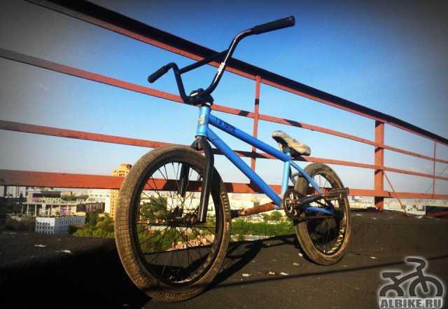 Велосипед для катания и трюков, сел и поехал