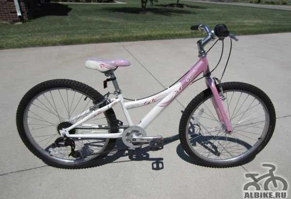 Продам велосипед подростковый трек для девочки