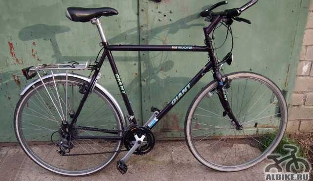 Дорожный фирменный велосипед Giant. Турист